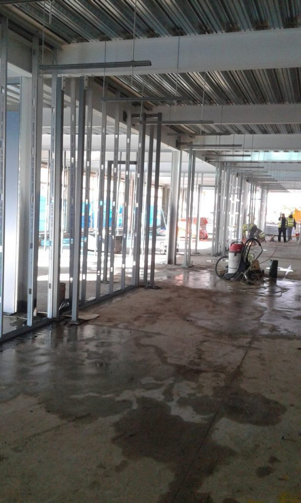 Internal partitions in the classrooms and corridors