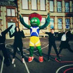 Broxburn Primary pupils with Clyde
