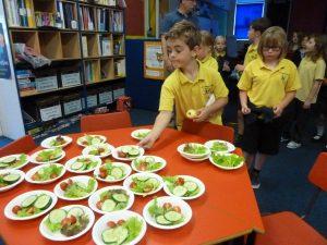 Primary 34 choosing salad